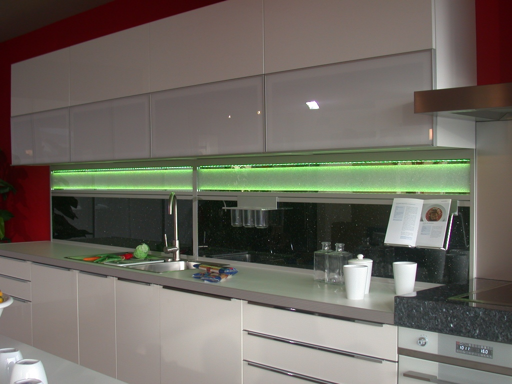 Küchenrückwand mit LED Beleuchtung - Glas Bartosch - Der ...